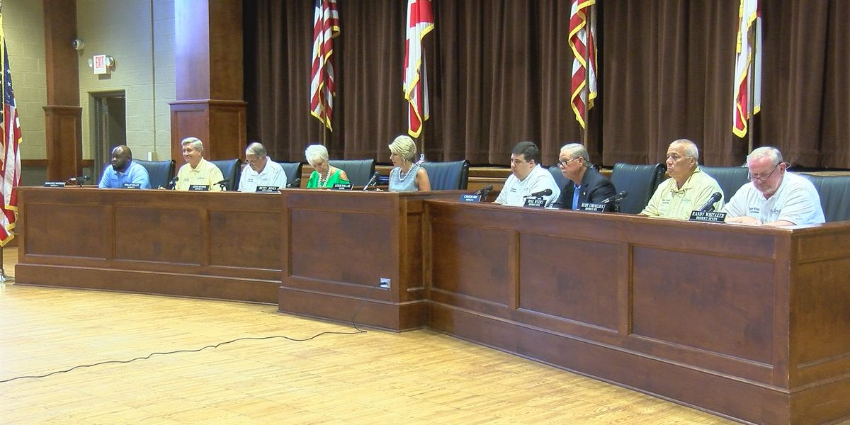 Guntersville City Council adopts ordinance that limits commercial animal sales