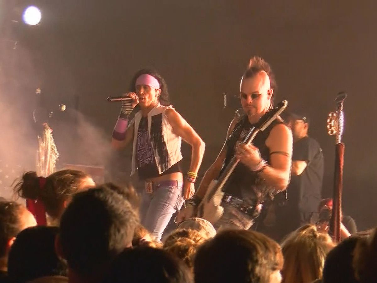 Velcro Pygmies rock Danville High's homecoming