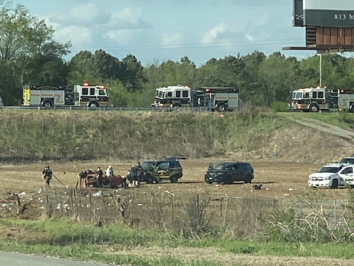 Rollover wreck on I-65 north near Priceville
