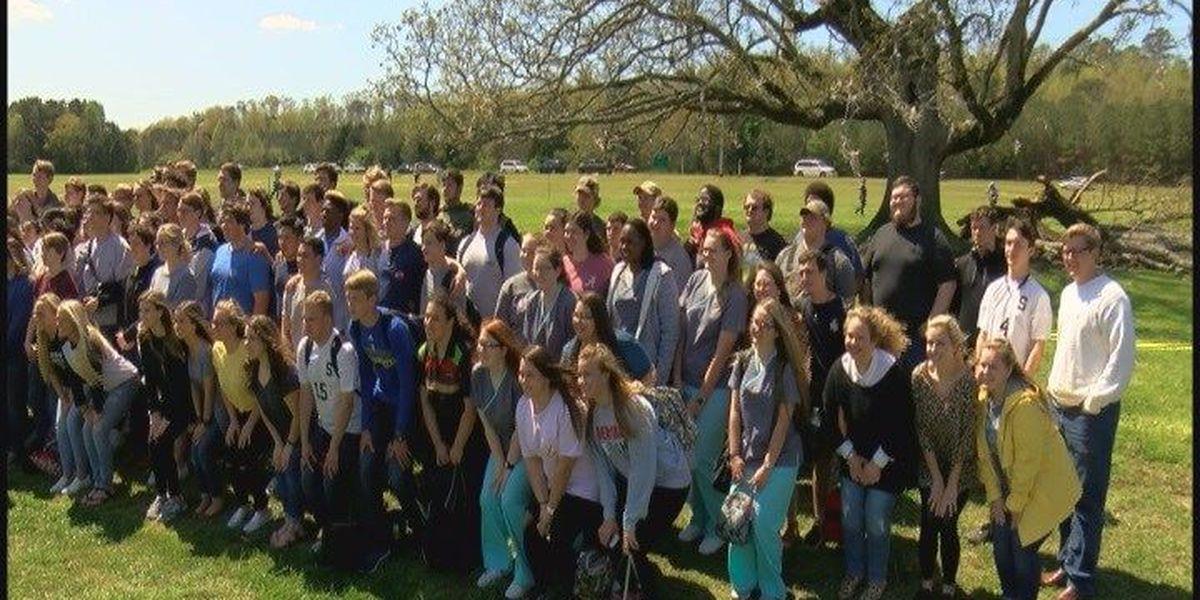 Students say goodbye to Scottsboro High victory tree
