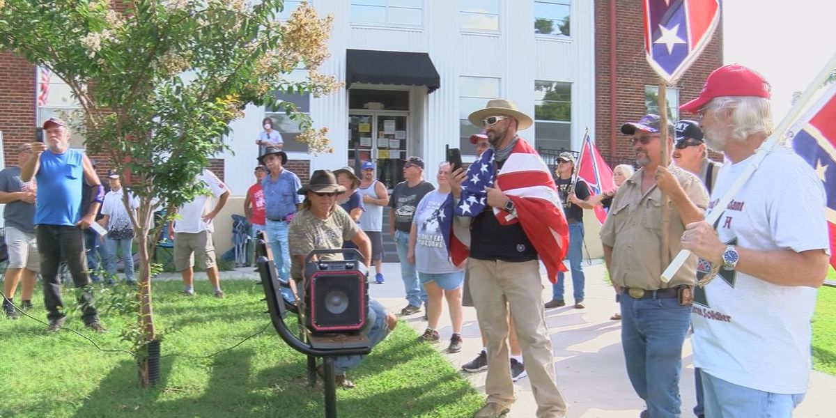 Protesters, counter protesters rally at Confederate monument site in Albertville