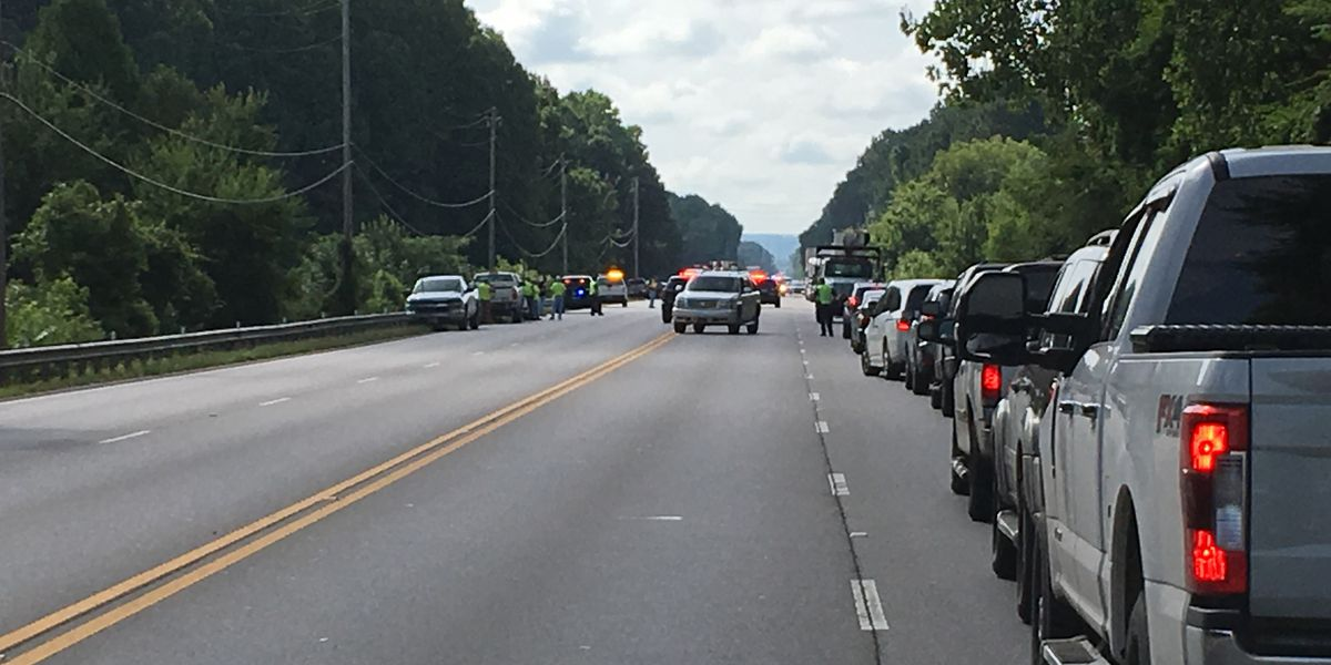 Fatal wreck slows down traffic on Highway 67 in Decatur