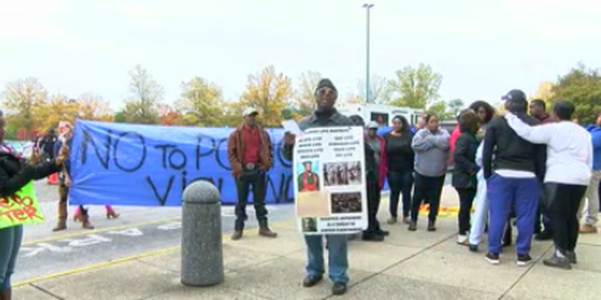 Crowds protest at Riverchase Galleria 2 days after fatal officer-involved shooting