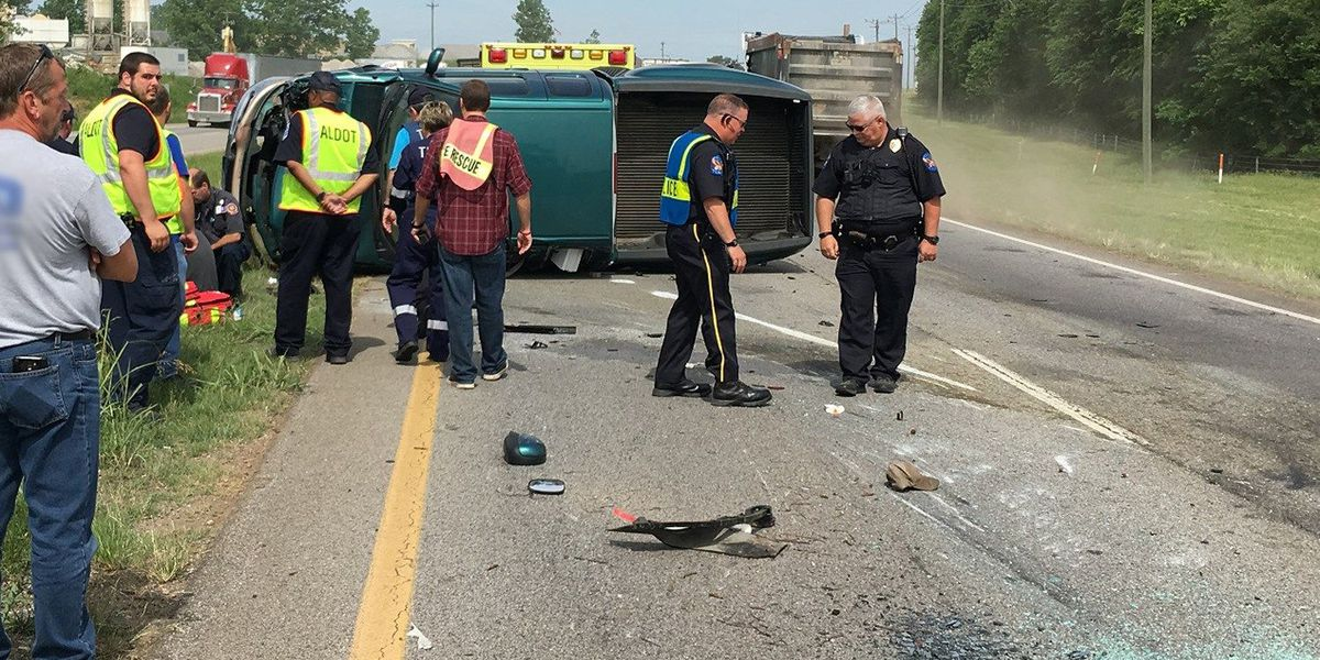 1 injured in Decatur Highway 20 wreck