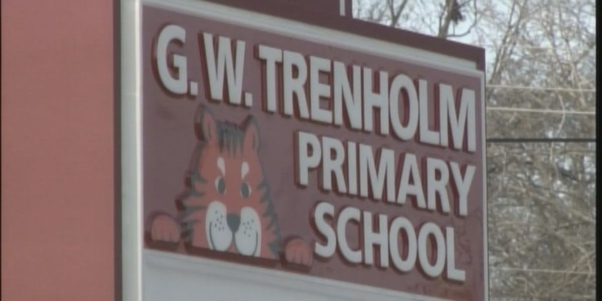 School Resource Officer removed after leaving gun in Tuscumbia school bathroom