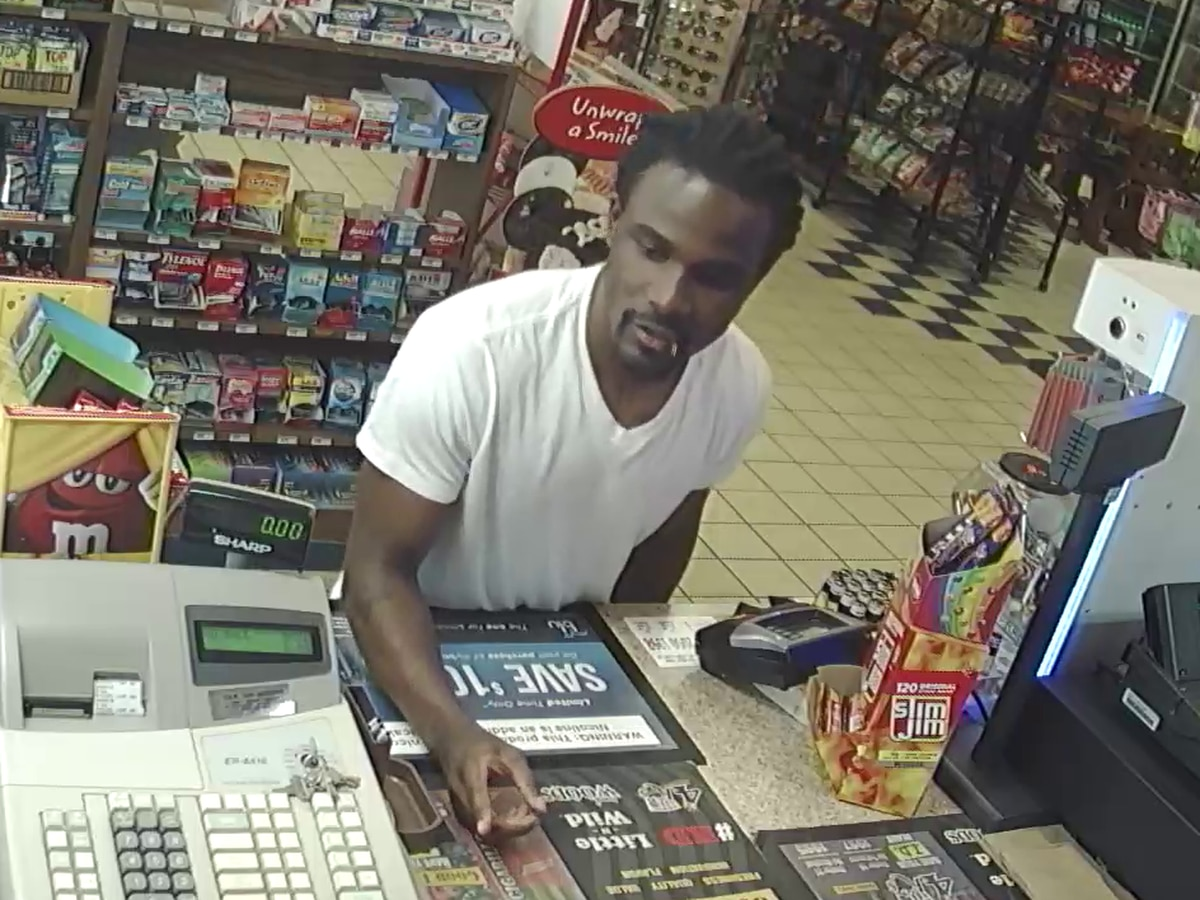 Crime Stoppers: Man steals victim's identity, credit card info