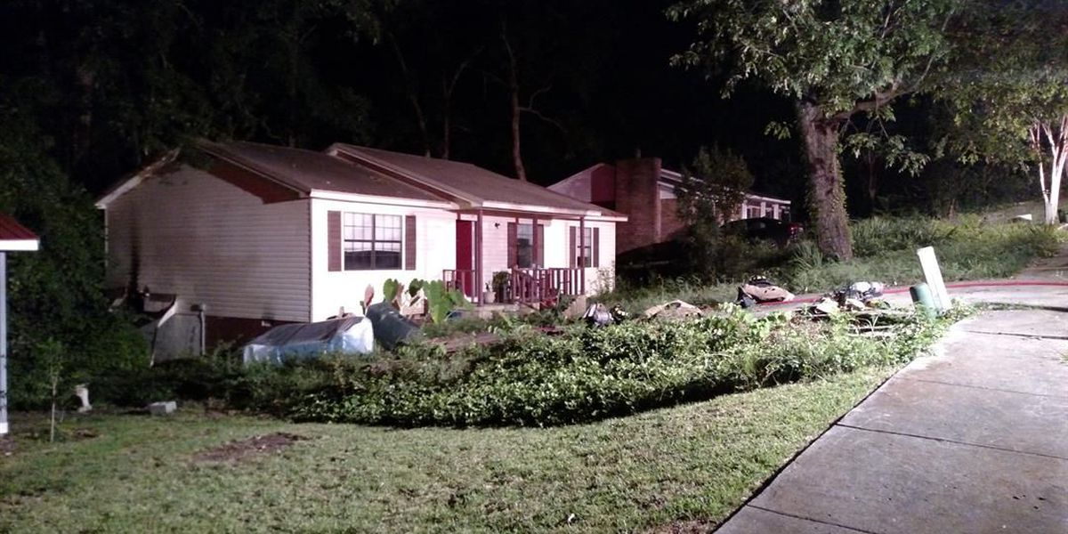 2 displaced after Clovis Road house fire