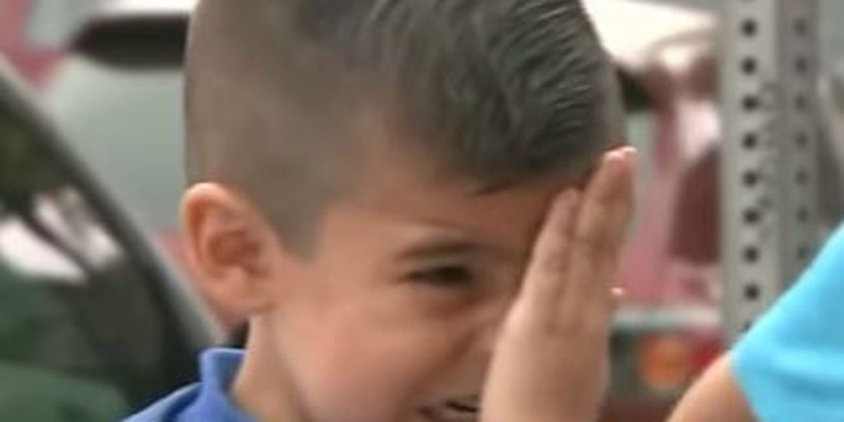 TV reporter makes boy cry on first day of school