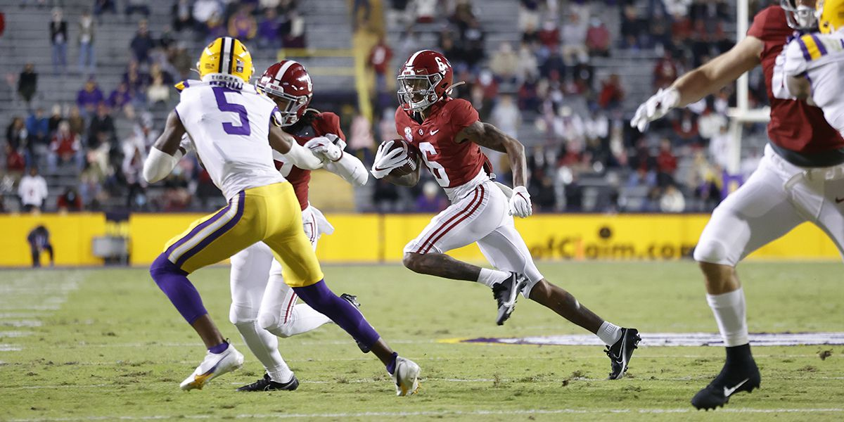 Alabama star WR wins AP Player of Year award