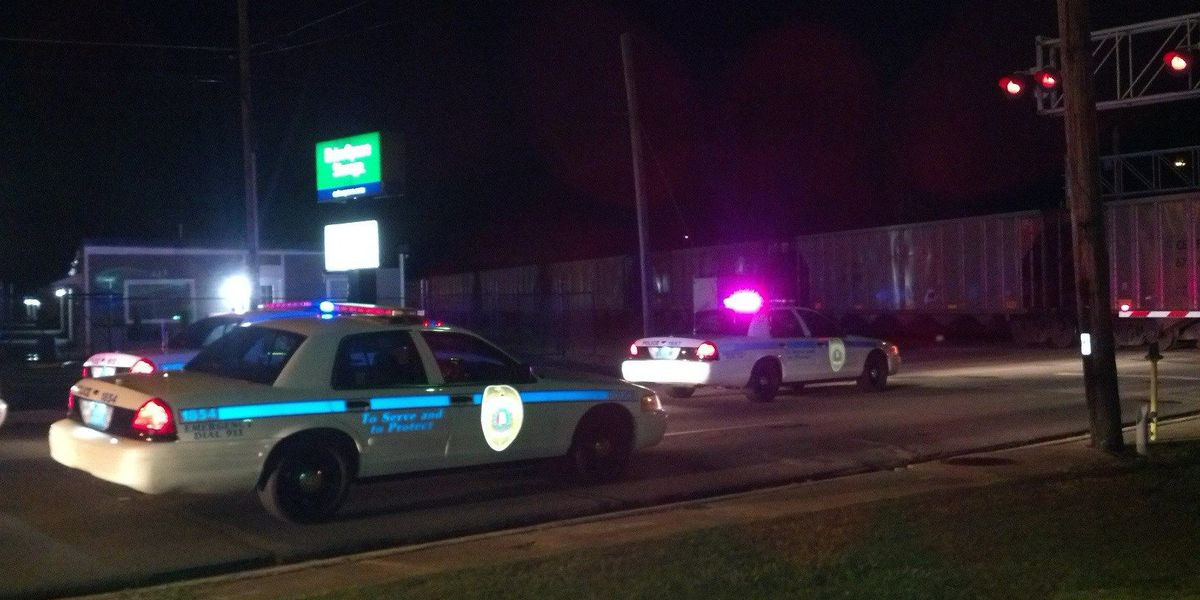 Breaking News: Man hit and killed by train in Huntsville