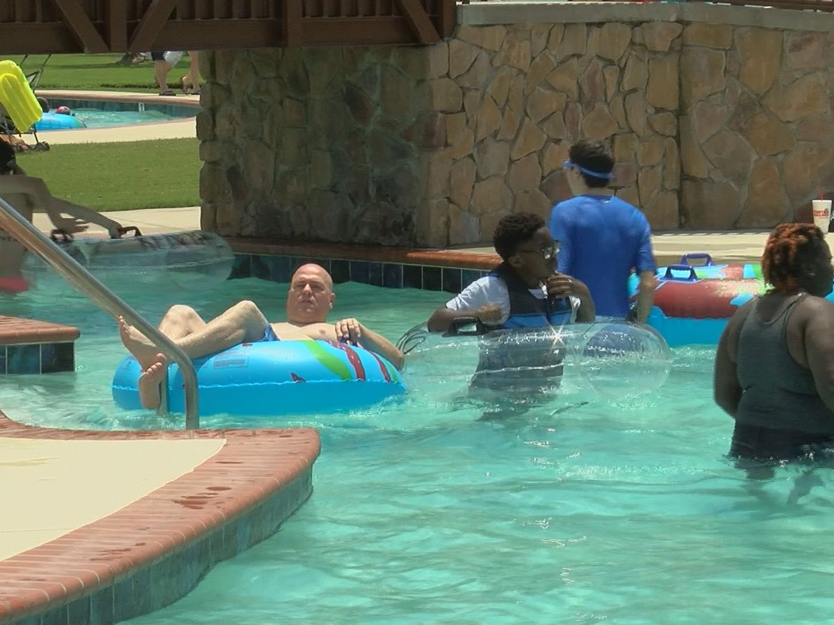 Family water spots open around north Alabama as summer heats up