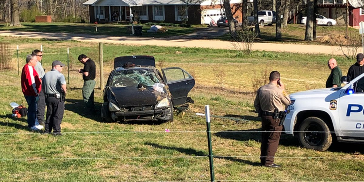 2 suspects ejected from vehicle in Boaz police chase