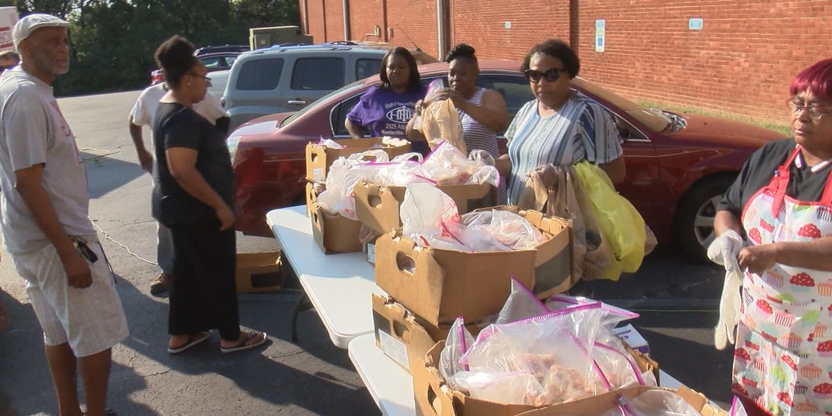Huntsville church gives out 1,400 pounds of free chicken