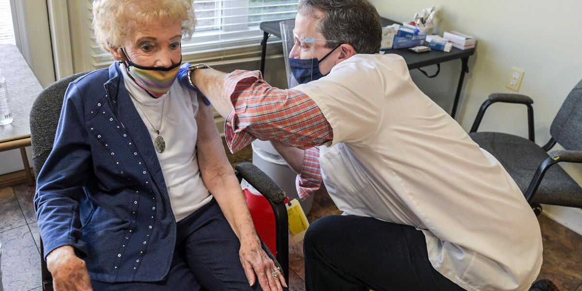 Decatur senior center residents receive first dose of COVID-19 vaccine