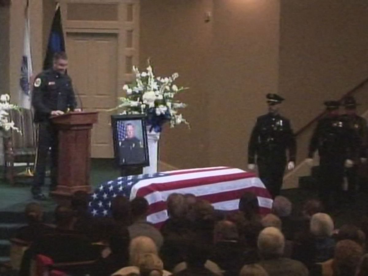 More than 1,400 say farewell to fallen officer Billy Clardy III