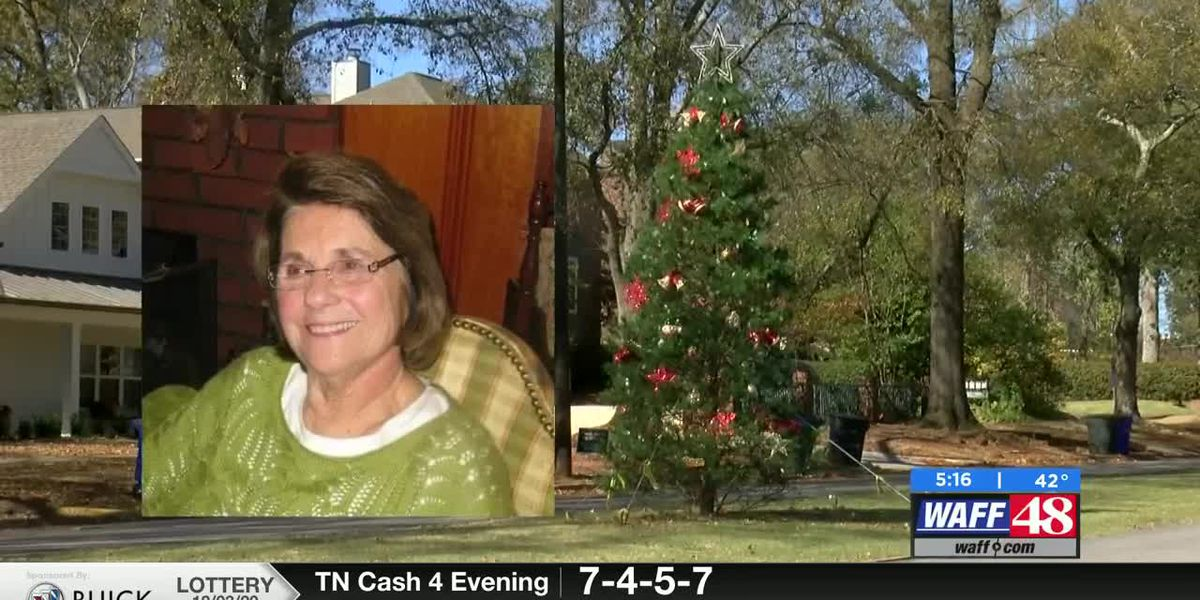 Downtown Florence Christmas tree lighting the legacy of Shoals native