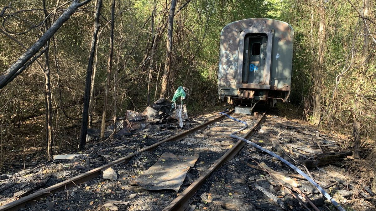 Firefighters extinguish afternoon brush fire in Madison County