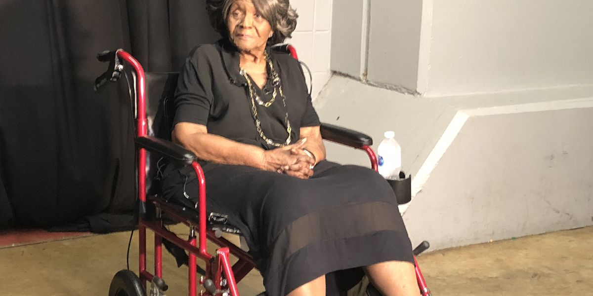 Autherine Lucy Foster receives honorary doctorate from UA