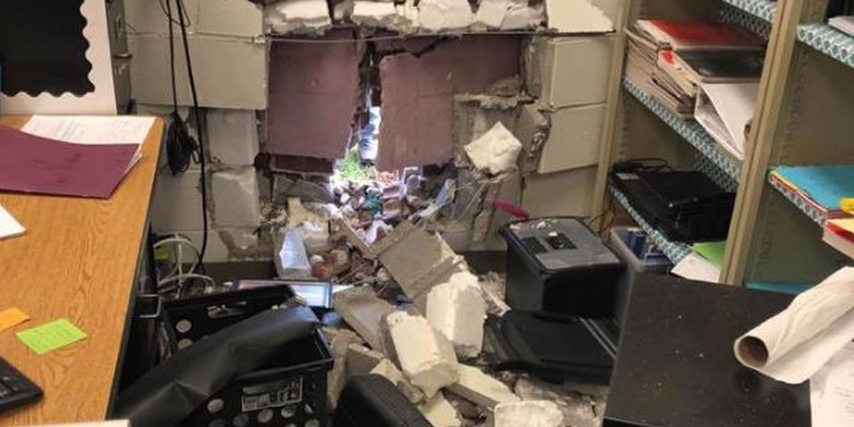 No injuries after driver crashes into Lauderdale County High classroom