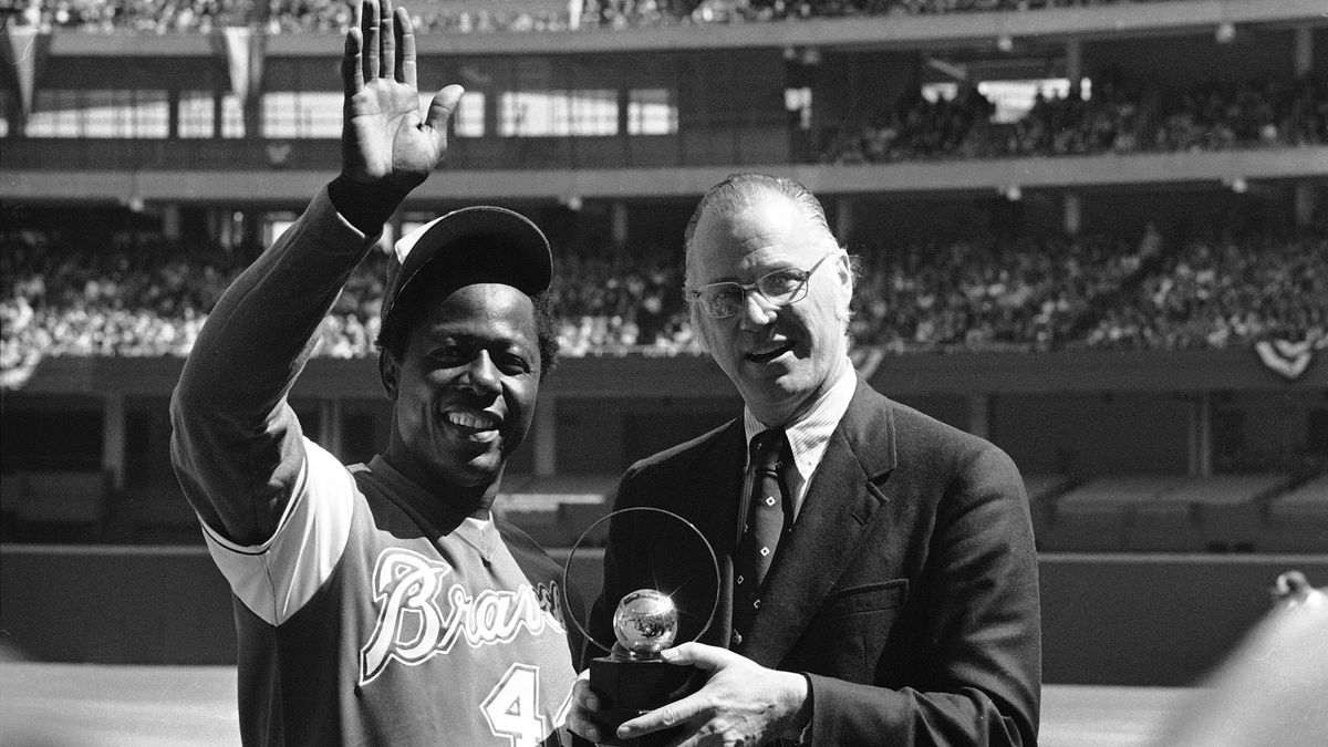 Hank Aaron's death prompts call to change team name: Braves to Hammers
