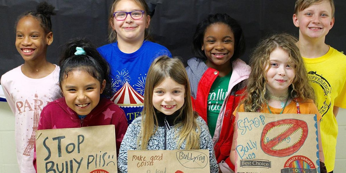Athens elementary students use grocery bags to combat bullying