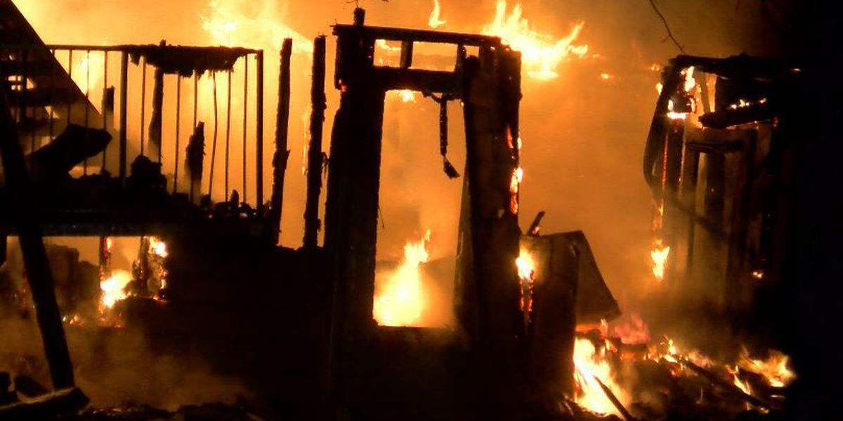 One injured in overnight fire in Huntsville