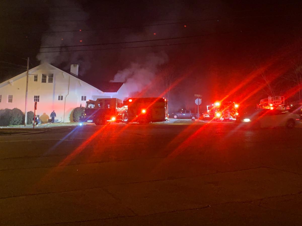 Crews extinguish duplex fire on California Street