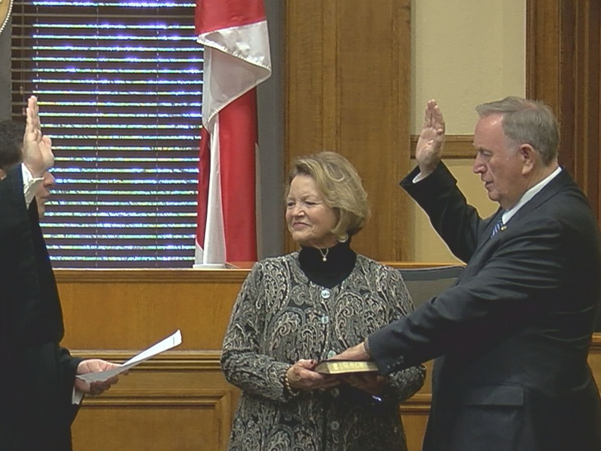 Alabama state senator sworn in twice, representing Madison, Limestone counties